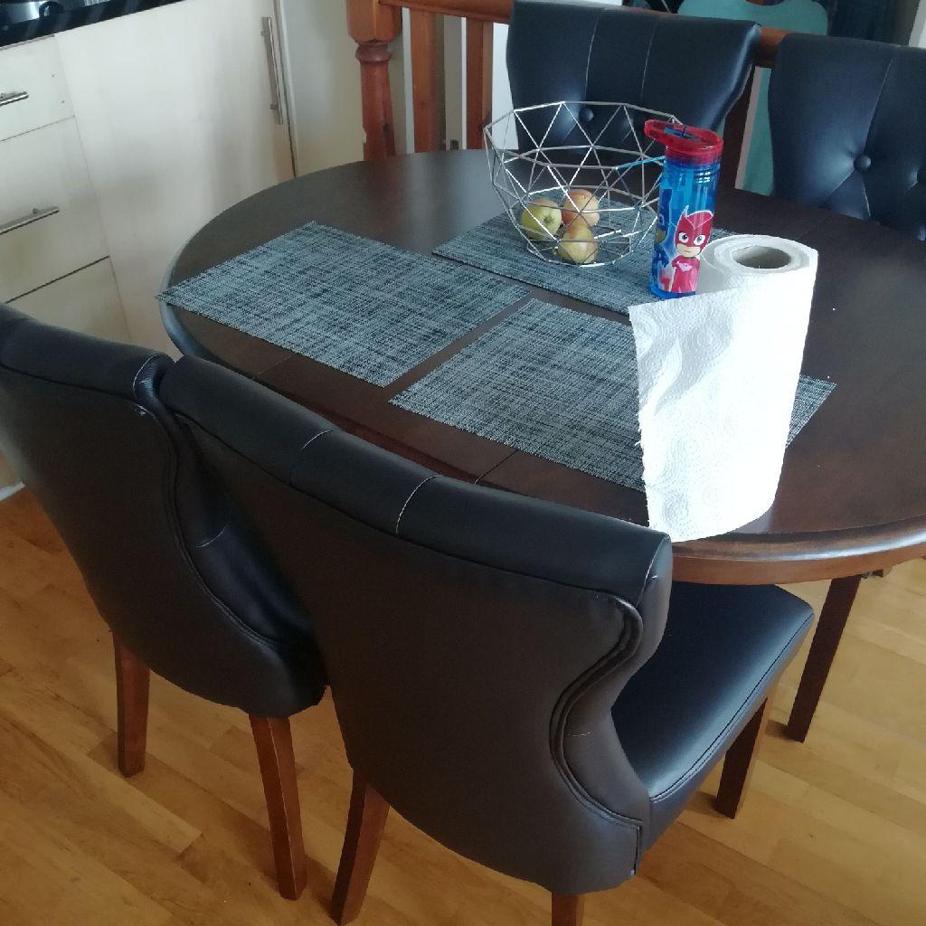 4 seater dinning set