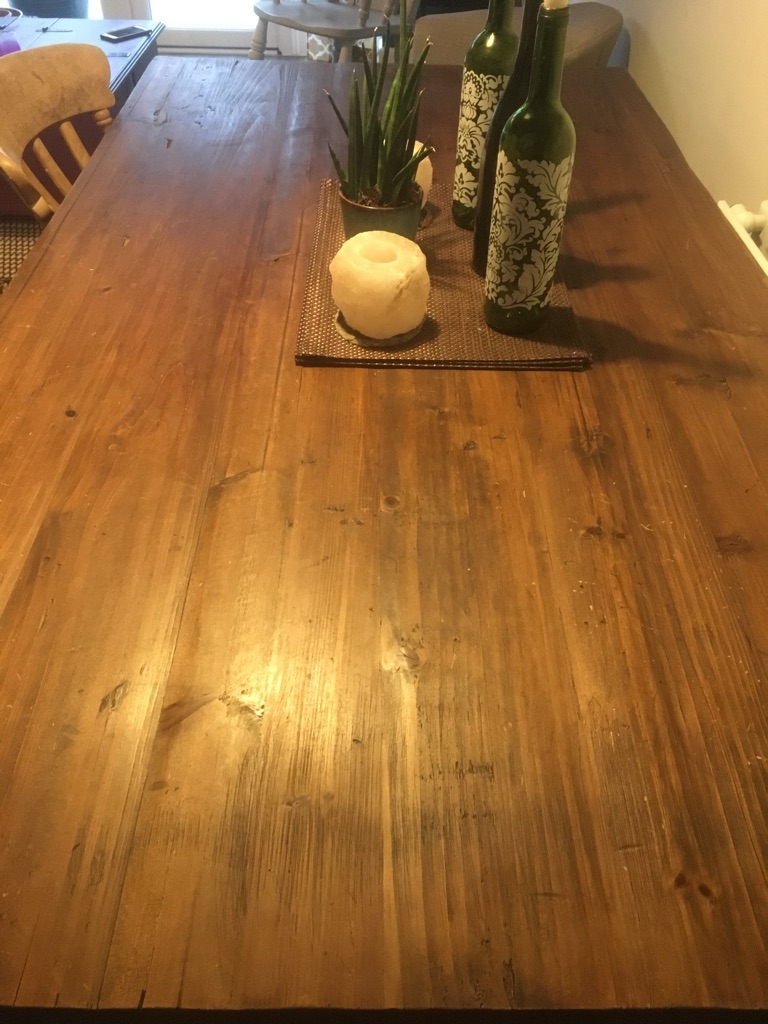 Rustic dining table from Uneeka