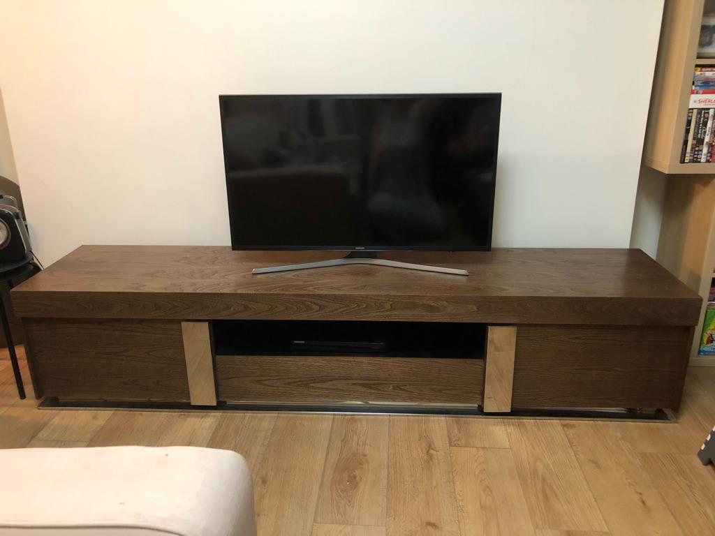 Beautiful Quatroppi elm wood TV cabinet