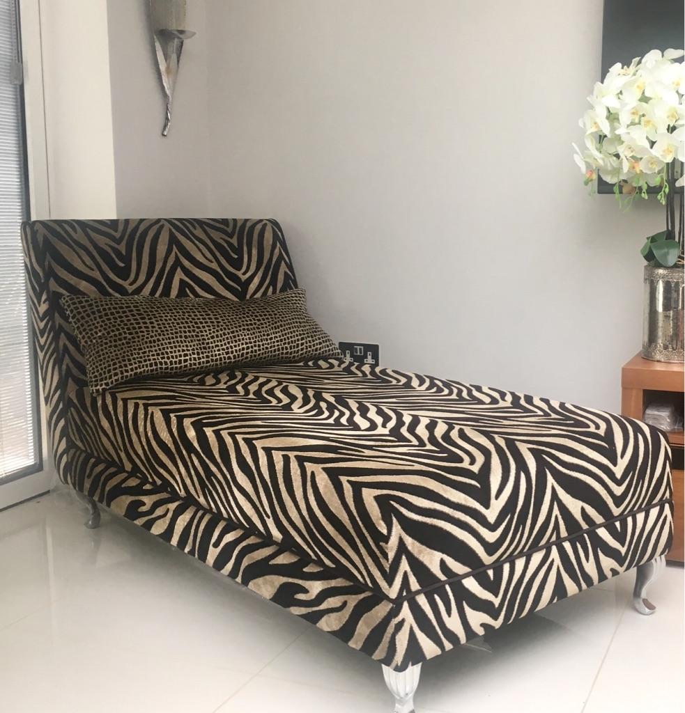 DFS Madagascar Chaise Longue