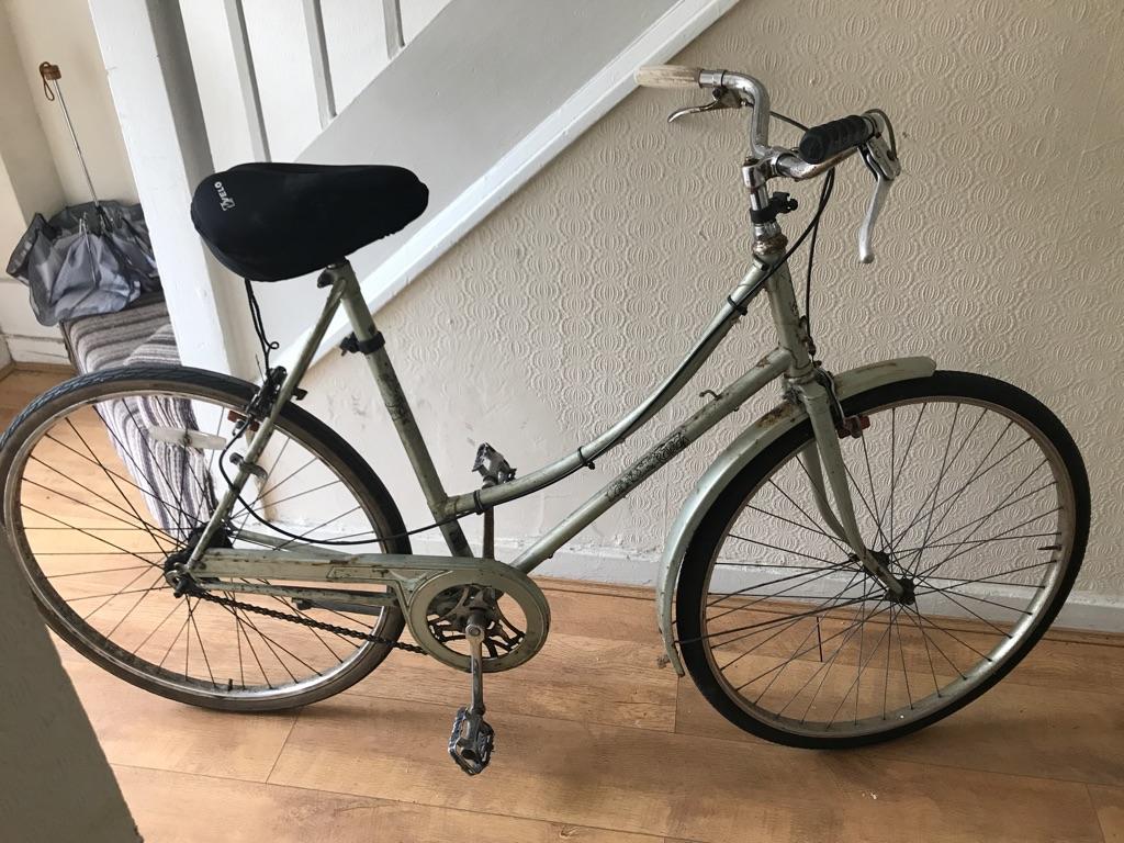 Raleight vintage Bike in Mile End