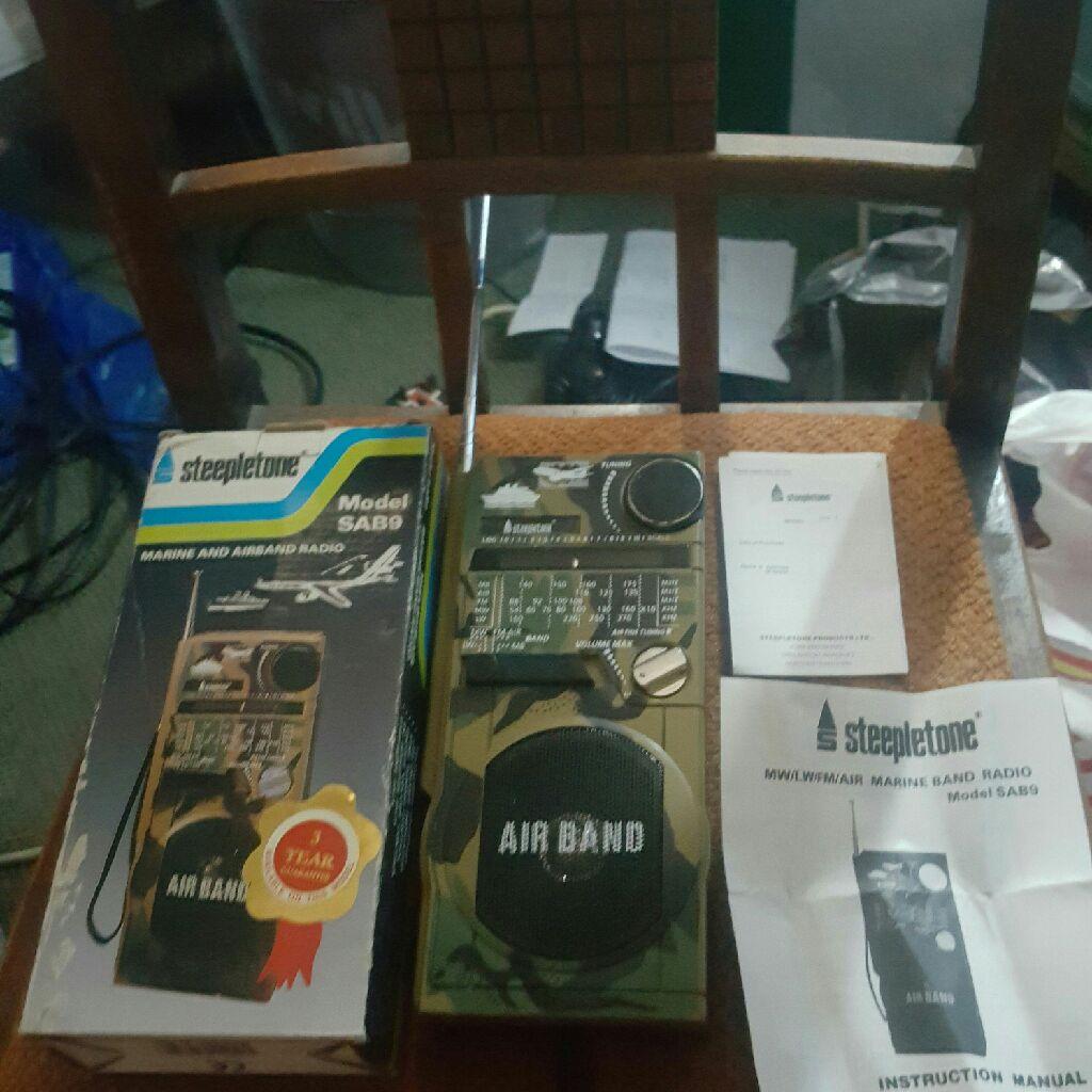 steepletone airband radio sab9 mk11 comes in the original box