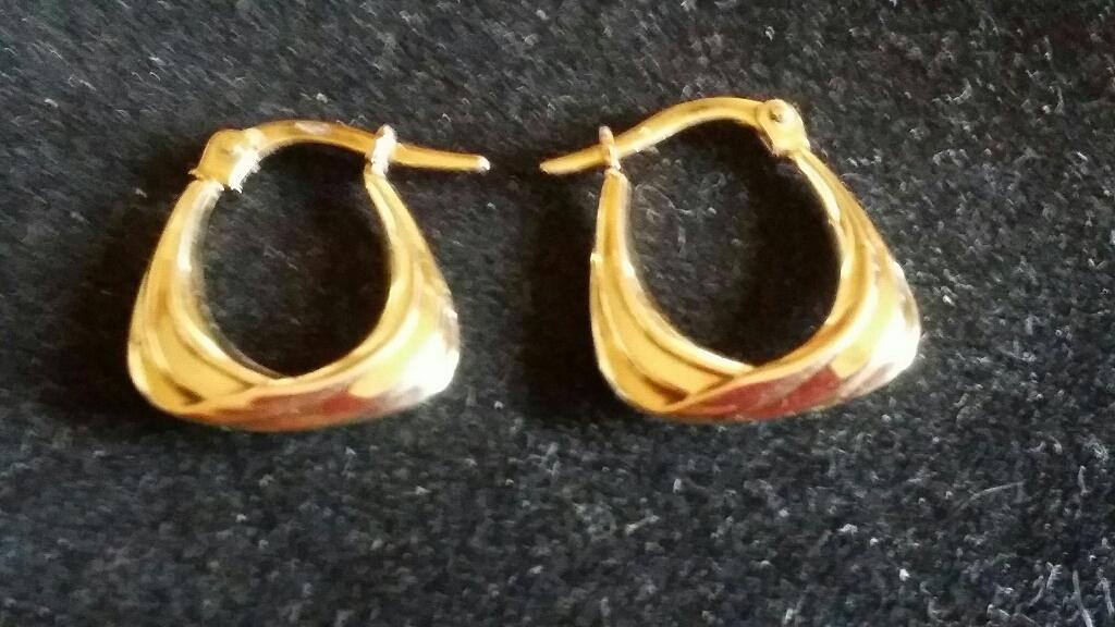 9ct gold Small Hoop earrings