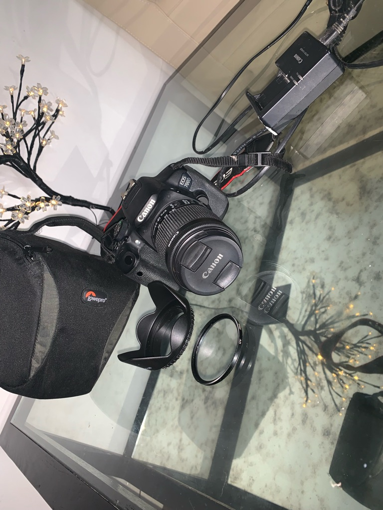 Canon EOS 700D bundle