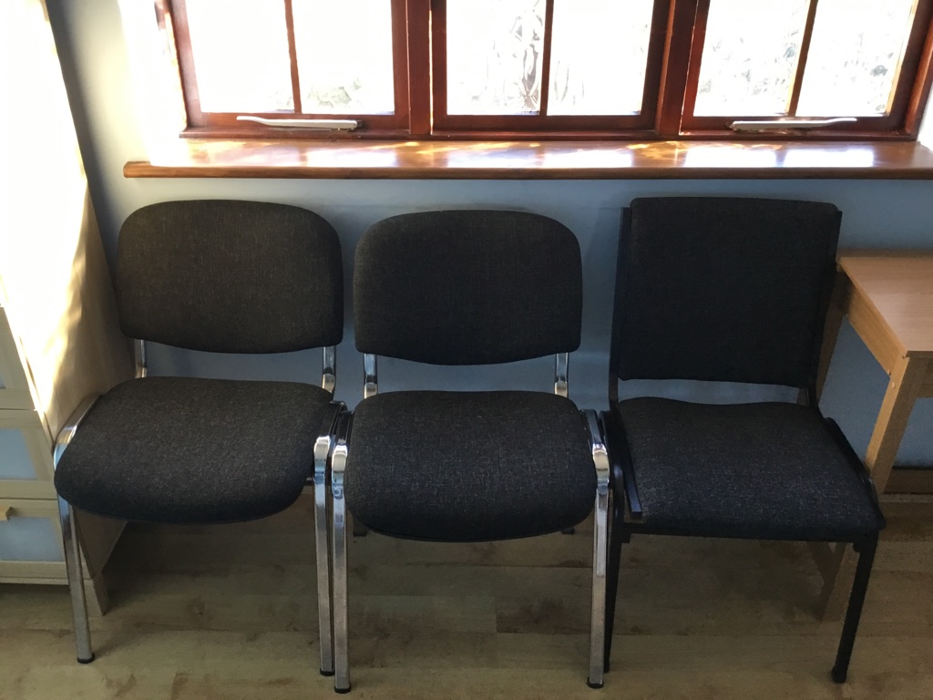 Waiting room chairs x10
