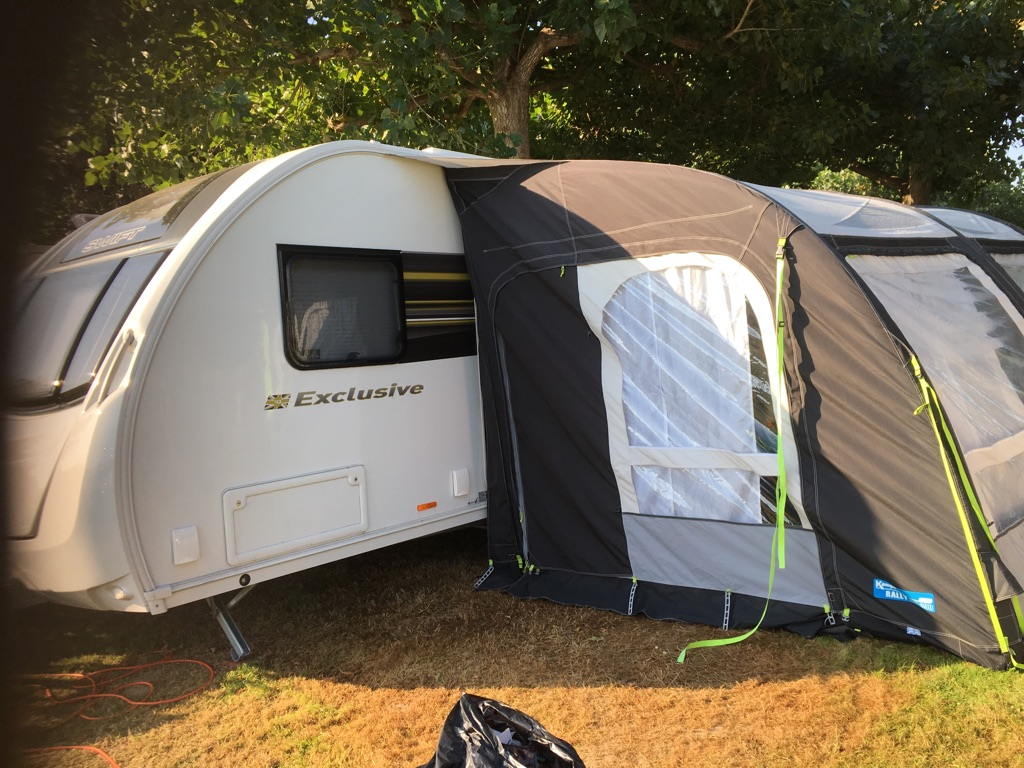 Swift Exclusive 6 Berth caravan & Air Awning