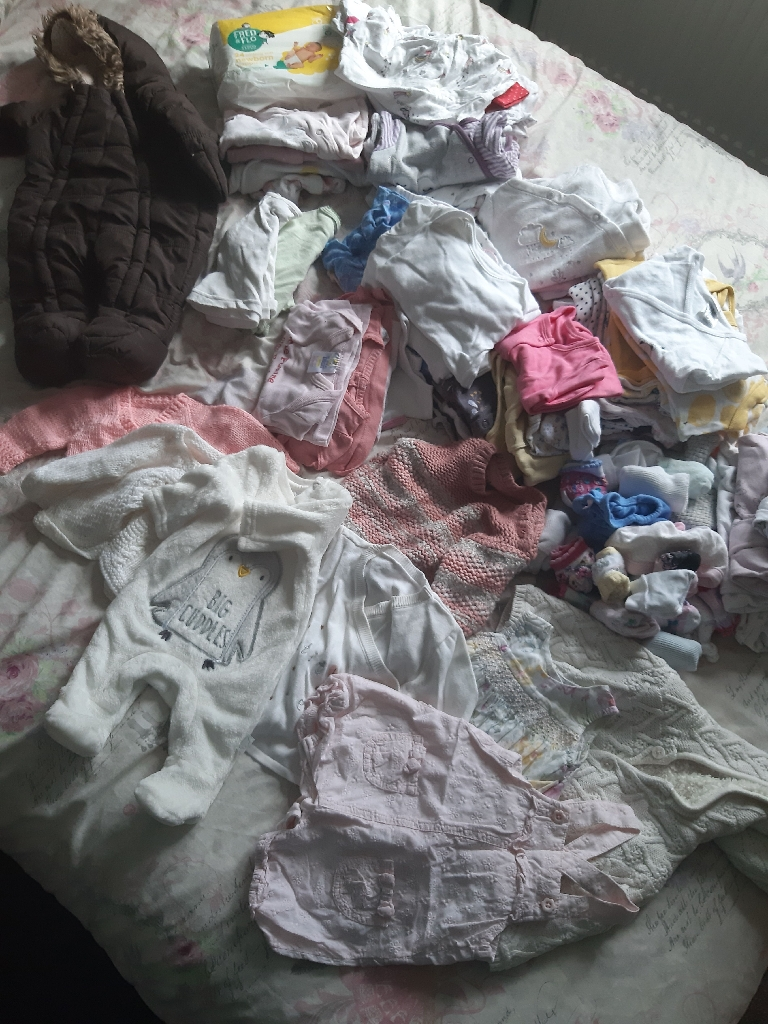 Huge bundle Tiny baby/newborn girls clothes