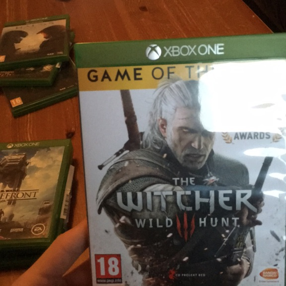 Witcher 3 game of the year edition xbox one