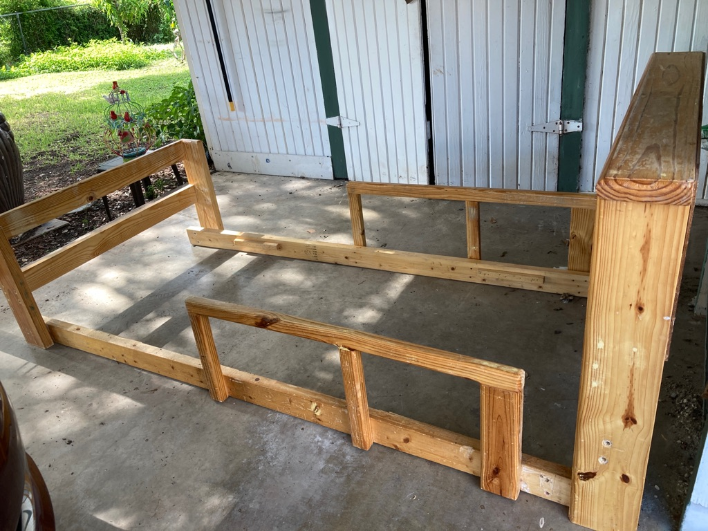 Heavy duty solid wood bed frame twin