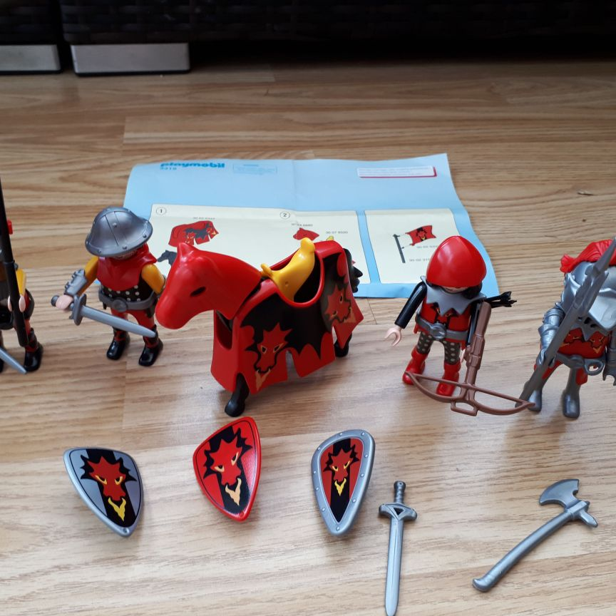 Knights Attack Vikings super set