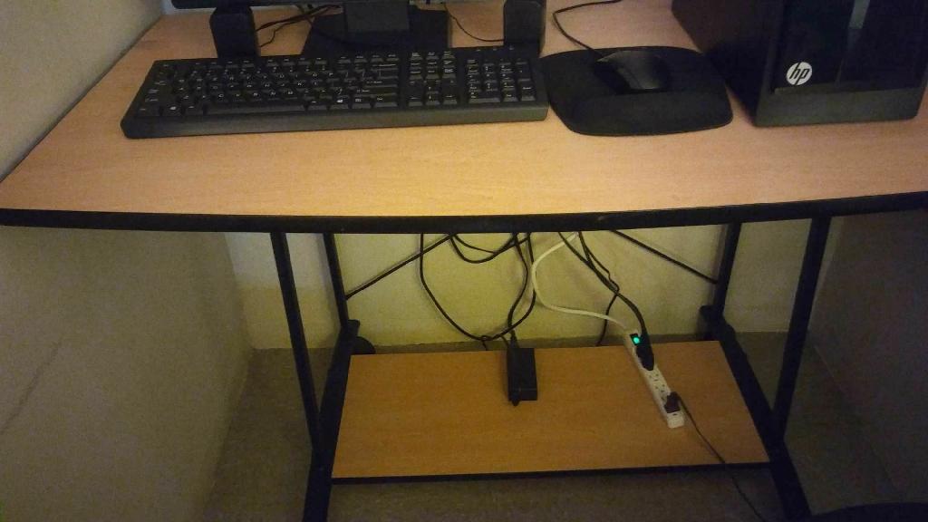 Wood n black computer desk n black computer chair.