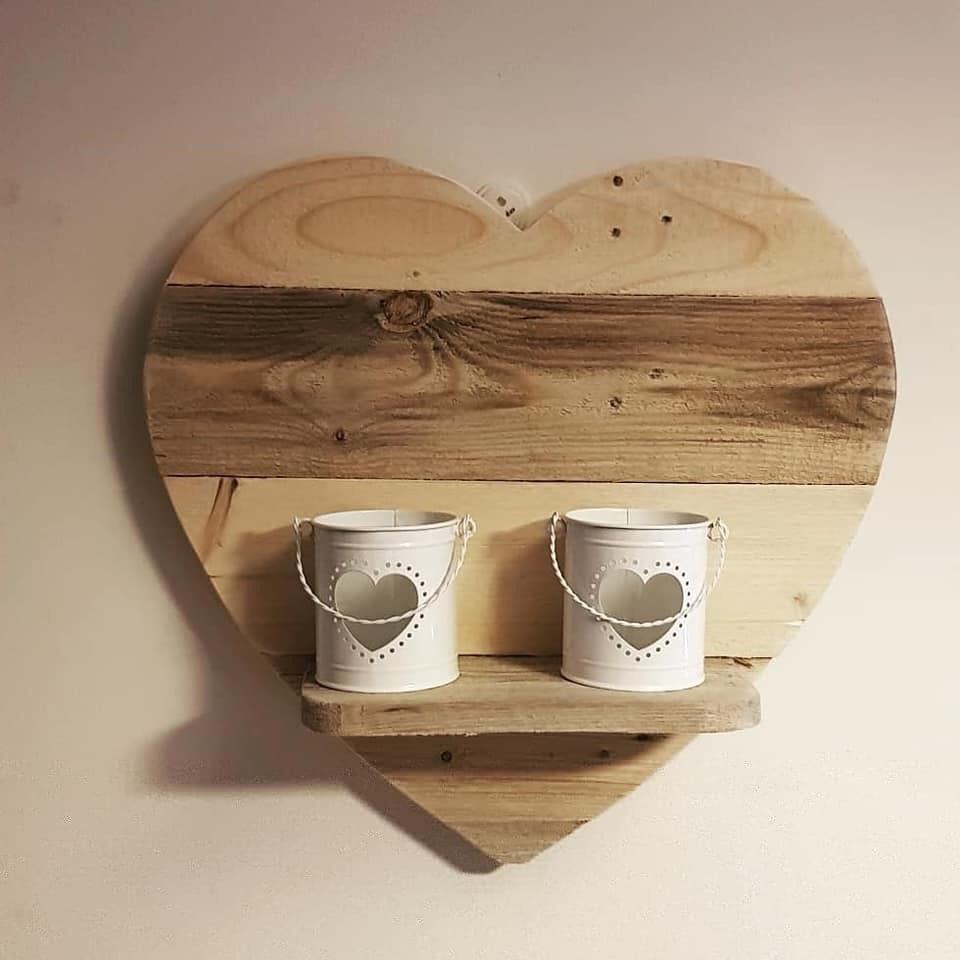 Heart shelf