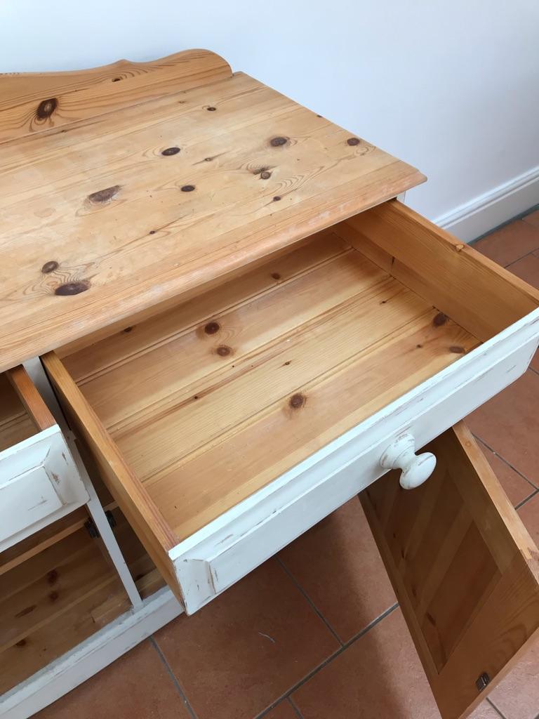Kitchen dresser/sideboard