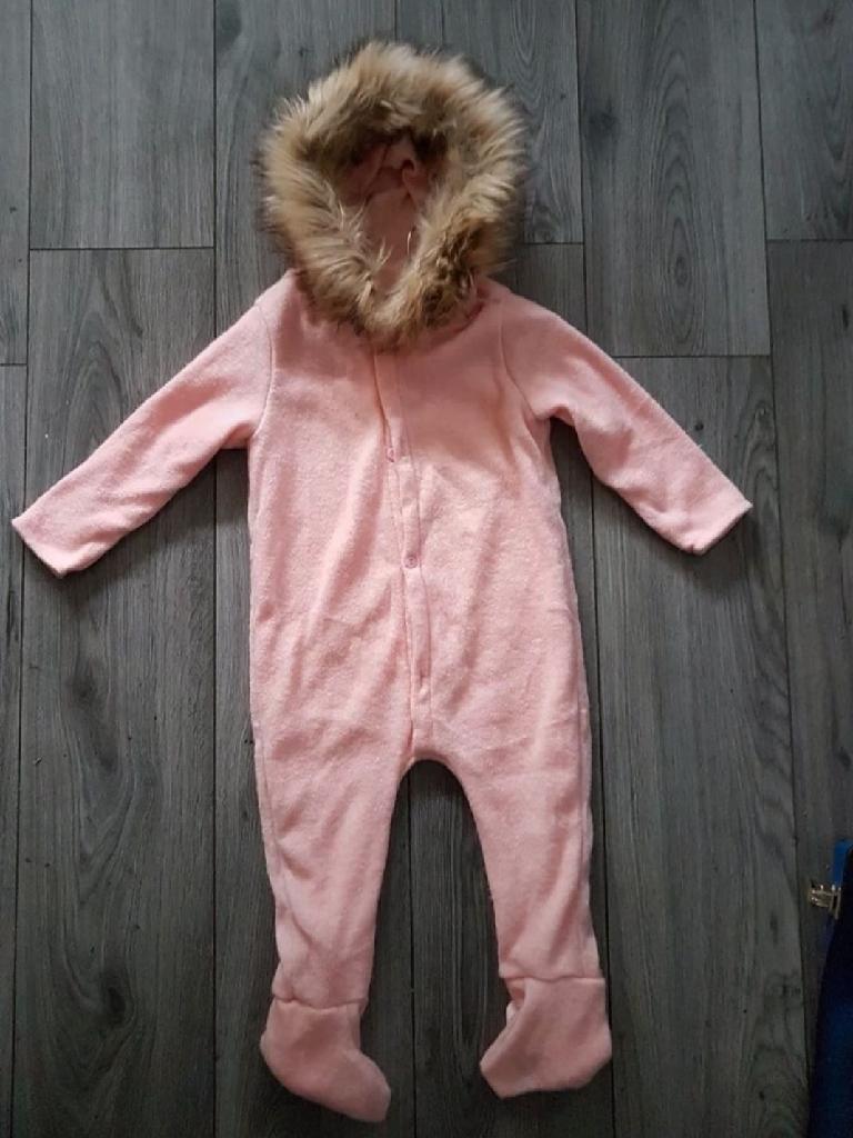 Age 2,/3 years knitted fur hood onesie nwt