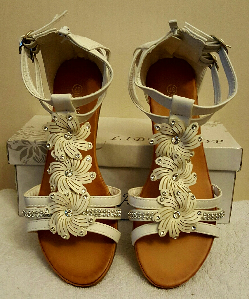 white flower wedge sandals with zip