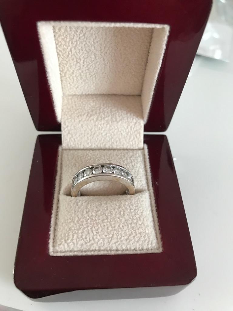 1carat diamond 18carat white gold eternity ring barely worn size K