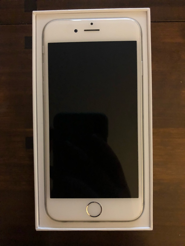 Silver iPhone 6 64GB Perfect Condition UNLOCKED