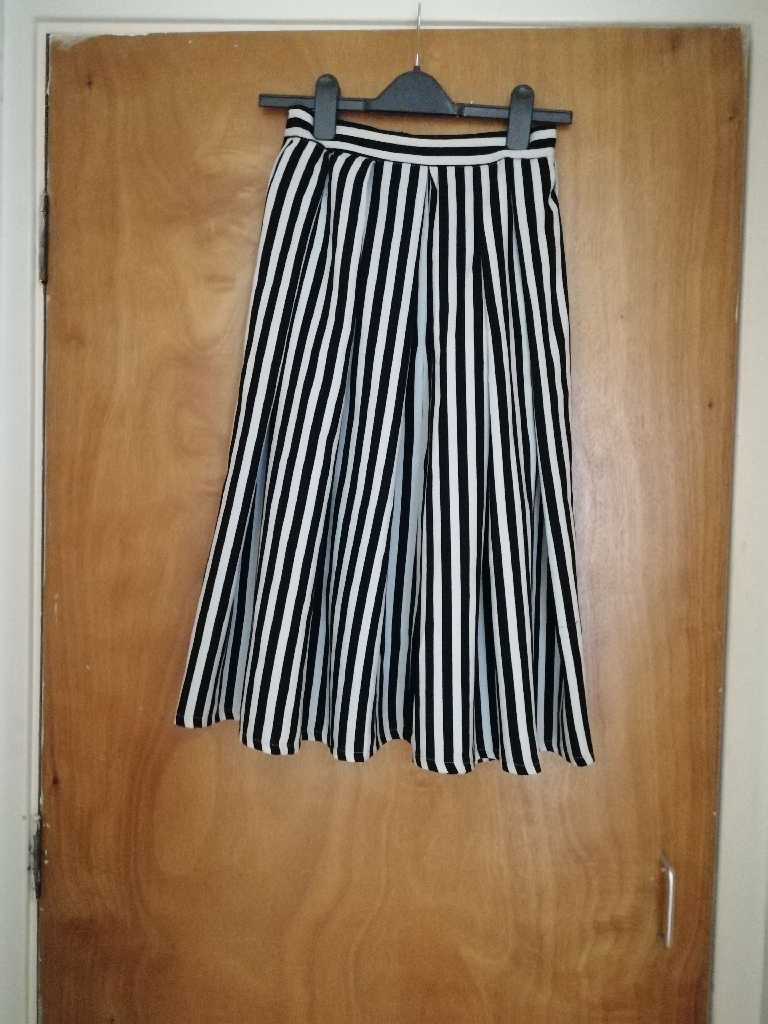 Black and white Striped skirt size 8-10