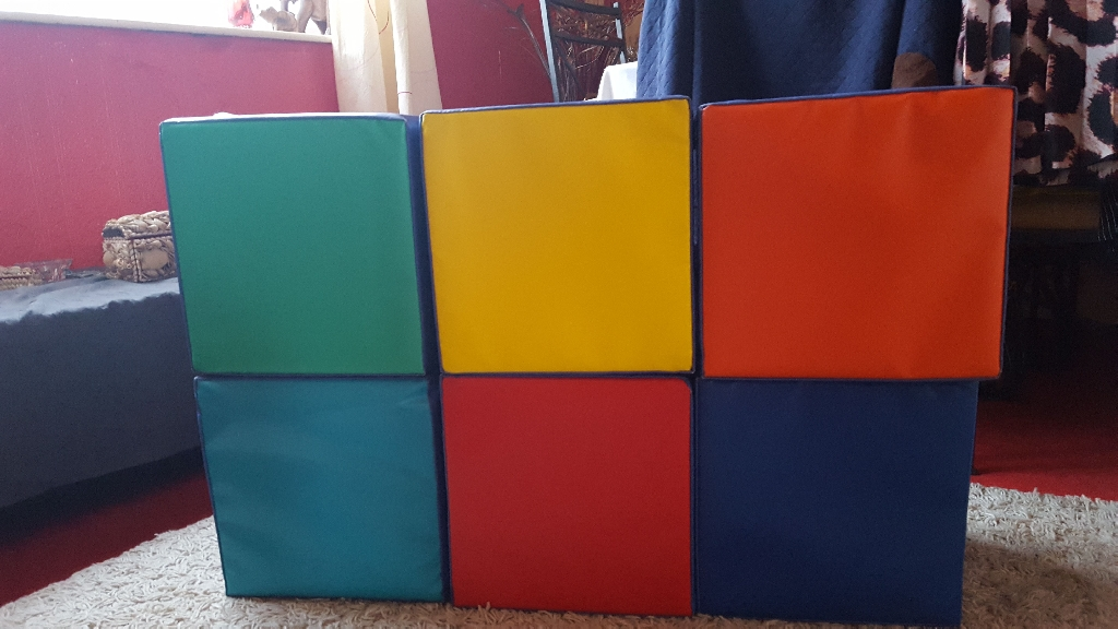 Set of 6 soft cube seats