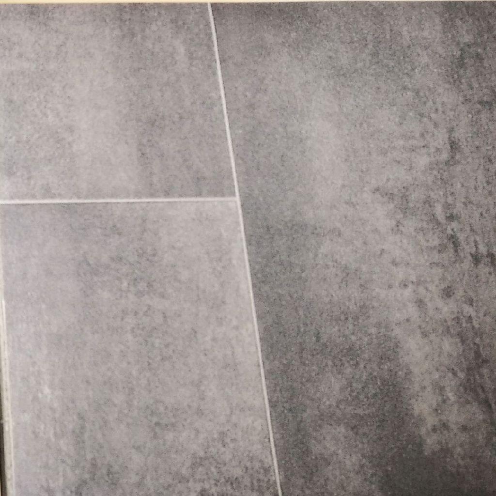 Vinyl flooring 4.7m x4m