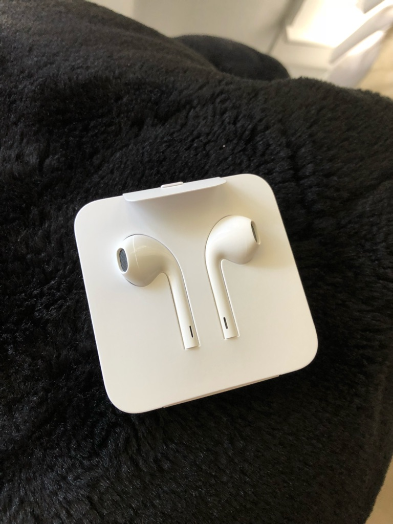 "New original iPhone X headset ear pod ""NOT BLUETOOTH"""