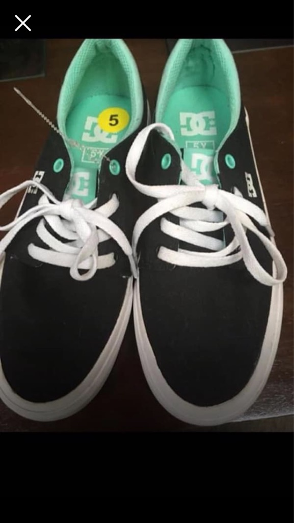 DC ladies shoes size 5