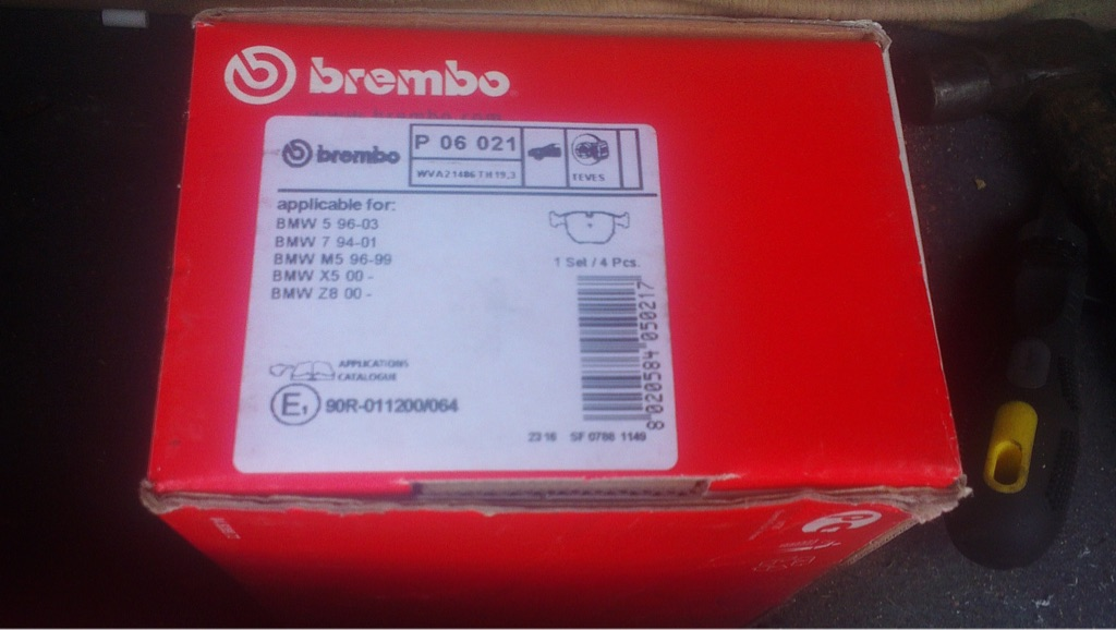 ****BRAND NEW**** BMW Brembo brake disks and pads, full set front and rear