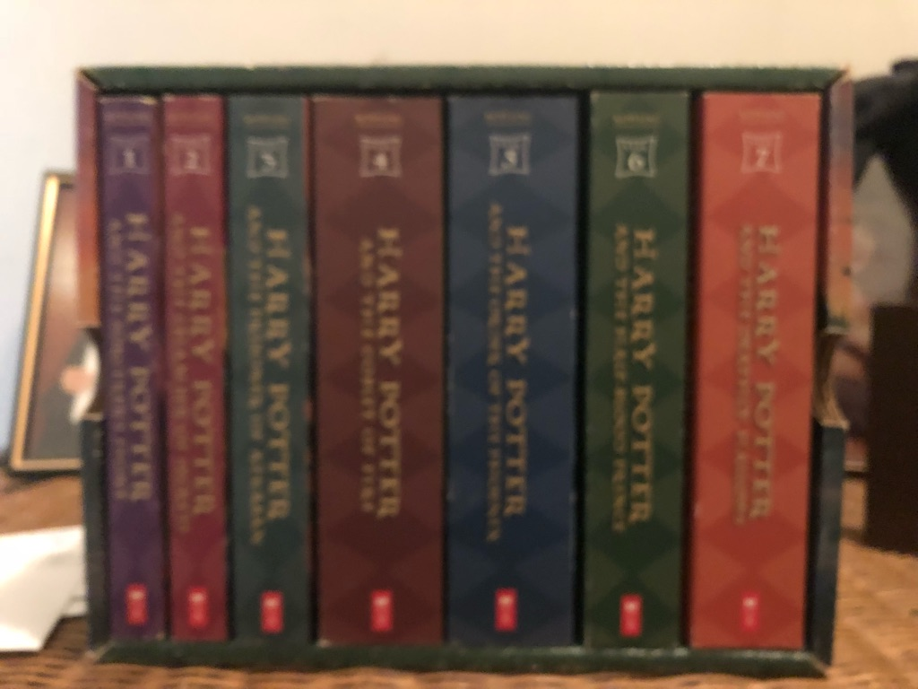 Harry Potter Complete book Set and Trivia Pursuit