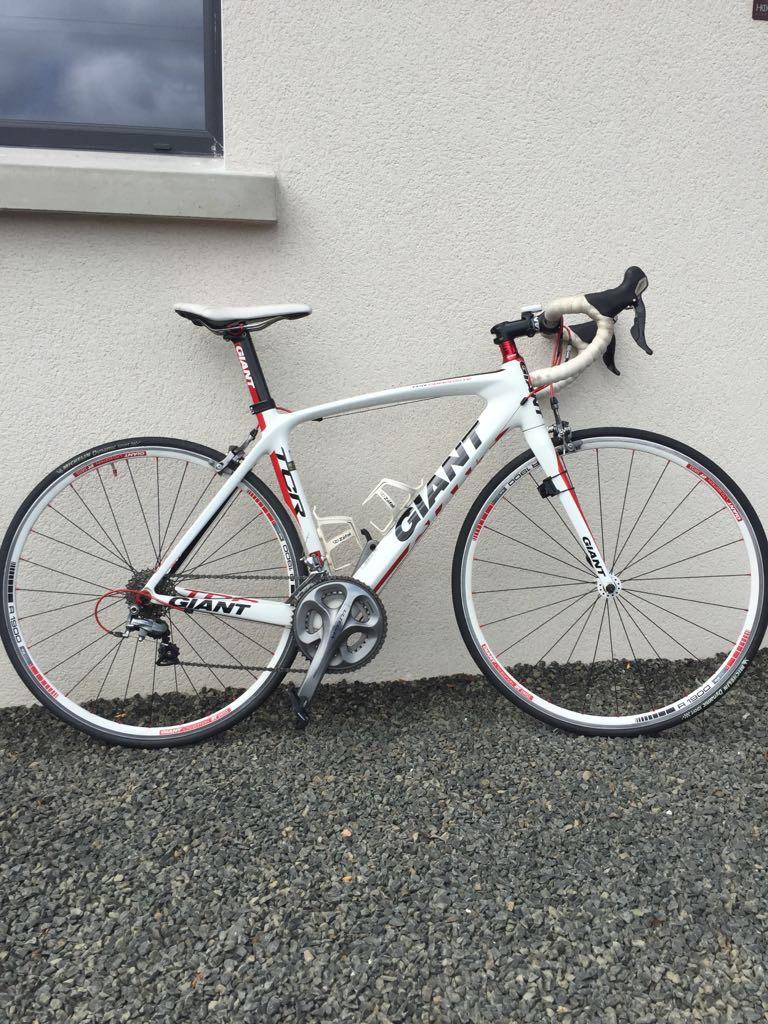 Giant TCR composite medium frame bike.