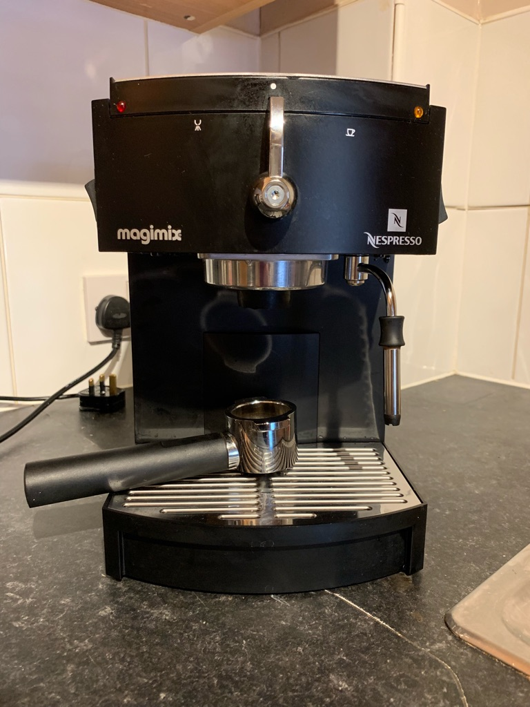 NESPRESSO M150 MAGIMIX COFFEE MACHINE (BLACK)-VERY GOOD CONDITION