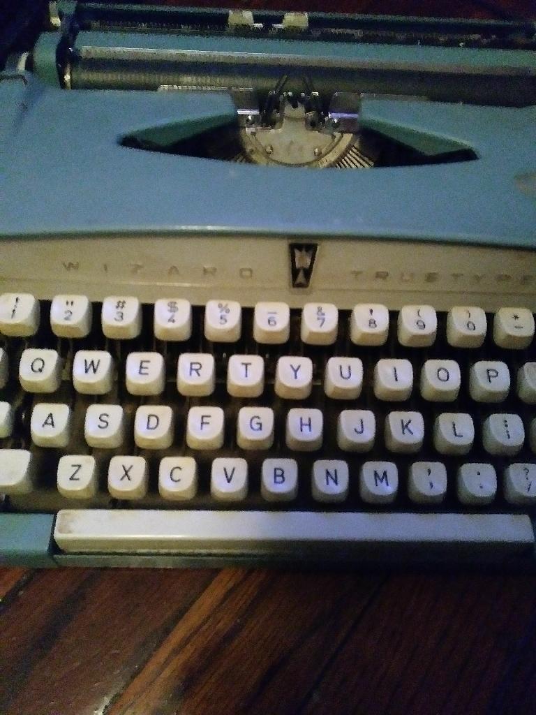 Wizard typer typewriter