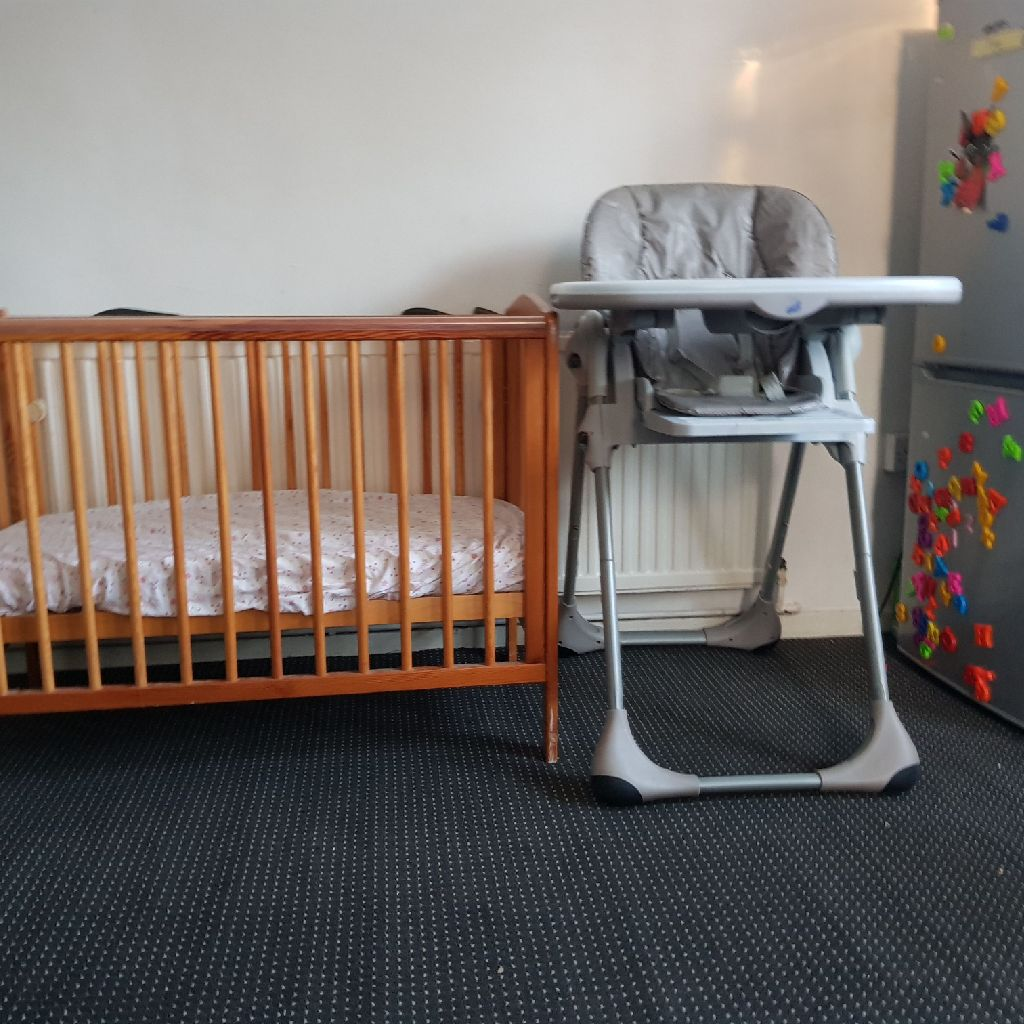 Babycot and feeding chair
