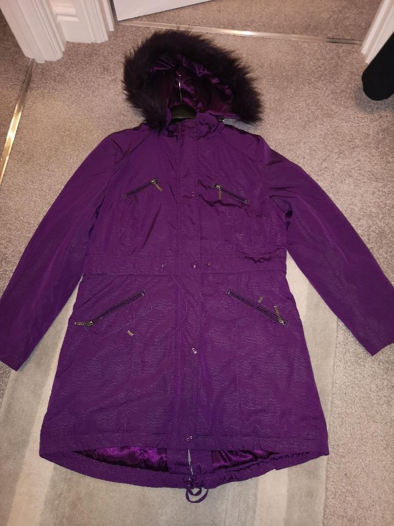 Per una size Medium ladies coat