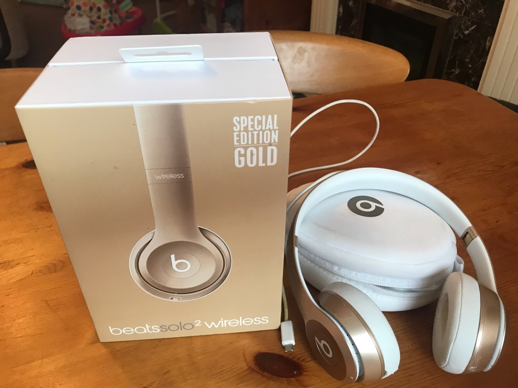 Genuine Beats solo2 wireless headphone