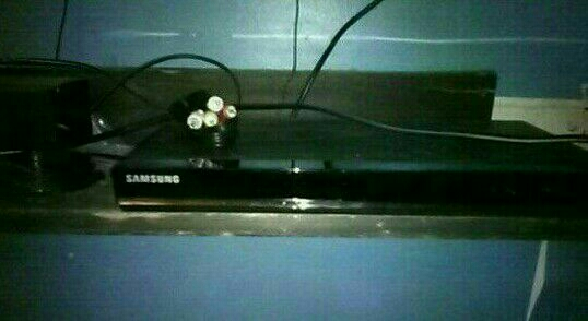 Samsung dvd player an wires