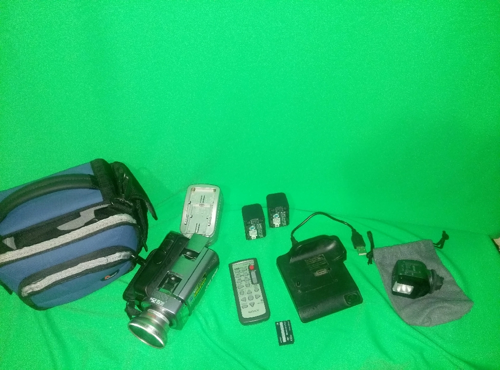 Sony Handycam 60g lots of extras