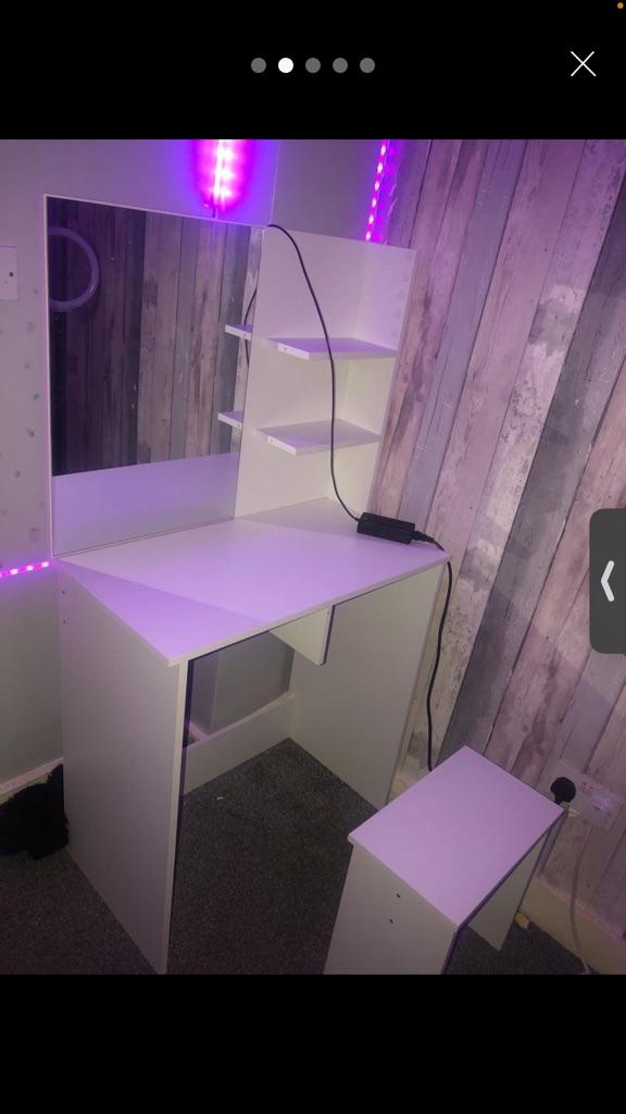 Vanity mirror desk with stool