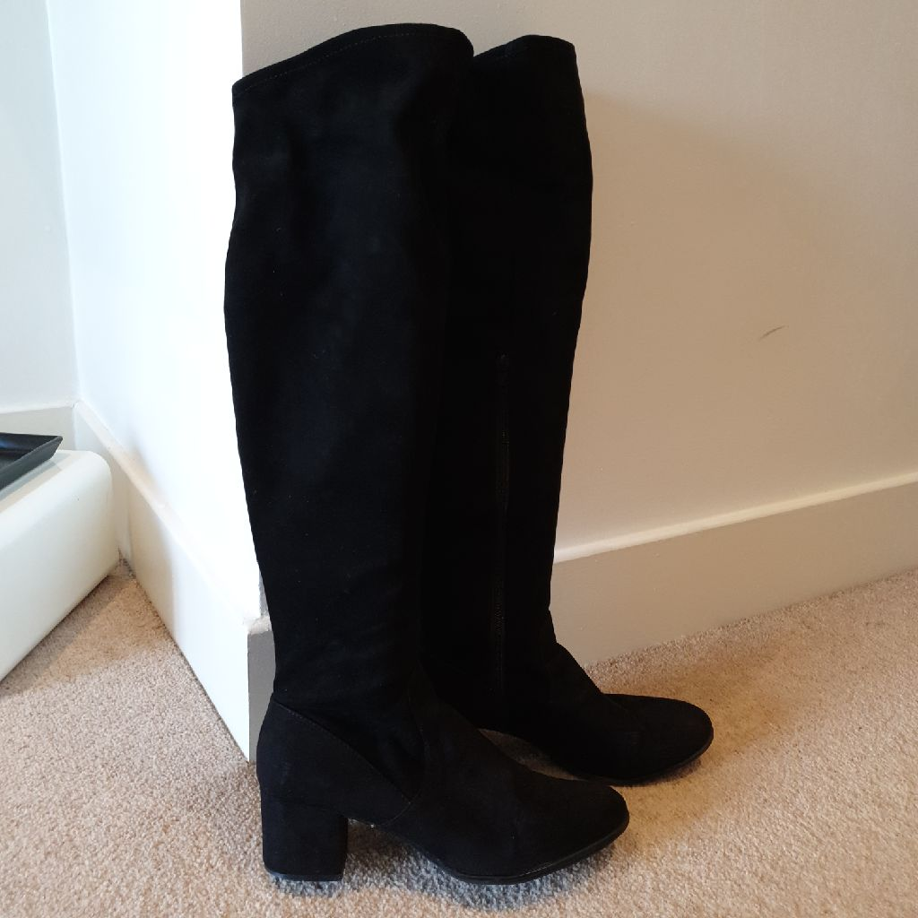 Long tight boots Size 41