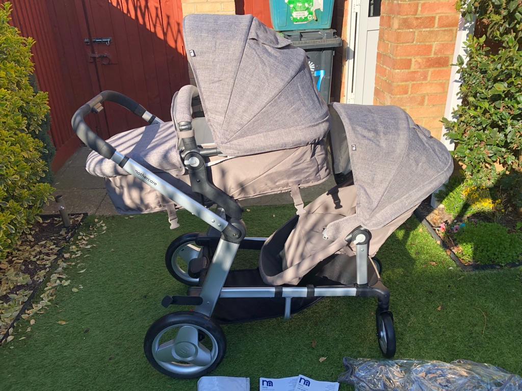 Double tandem pushchair