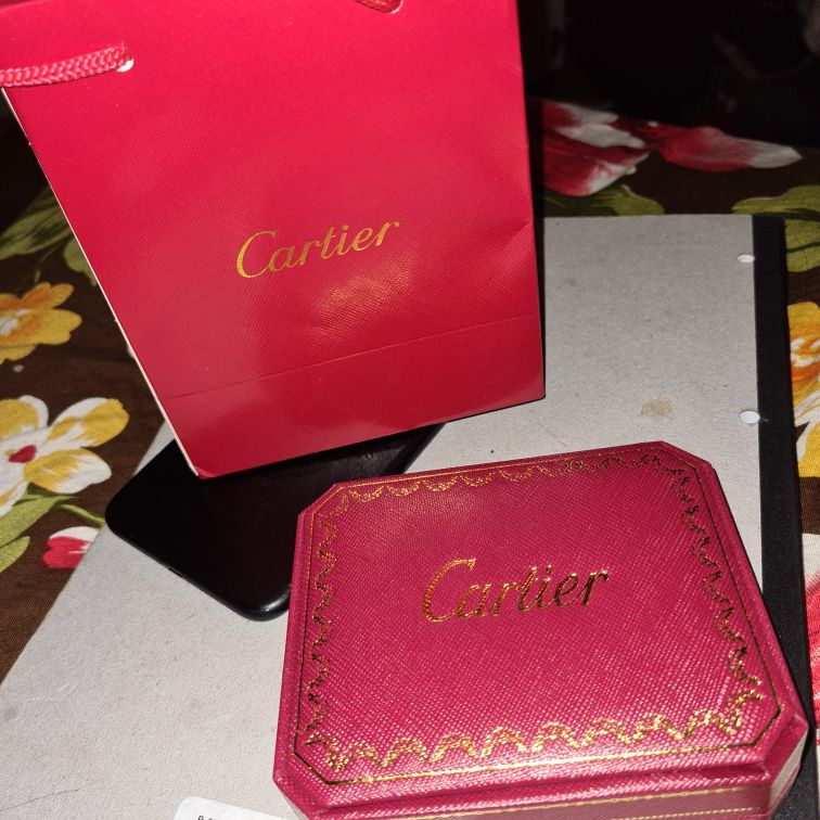Cartier love braclet (wotu box and bag)
