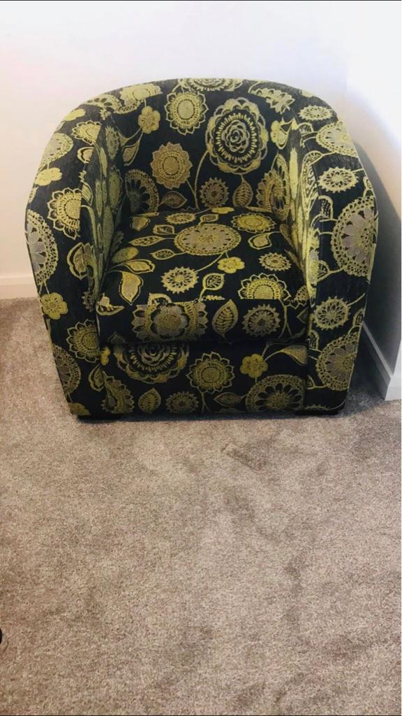 DFS tub chair