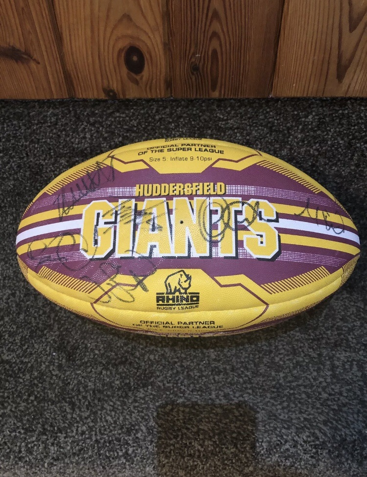 Huddersfield Giants Signed rugby ball