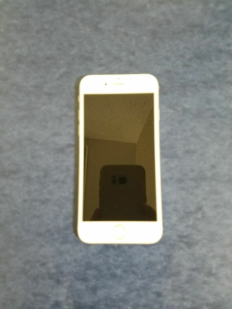 Silver IPhone 6 16gb factory unlocked