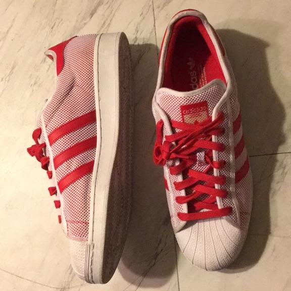 White/red superstars