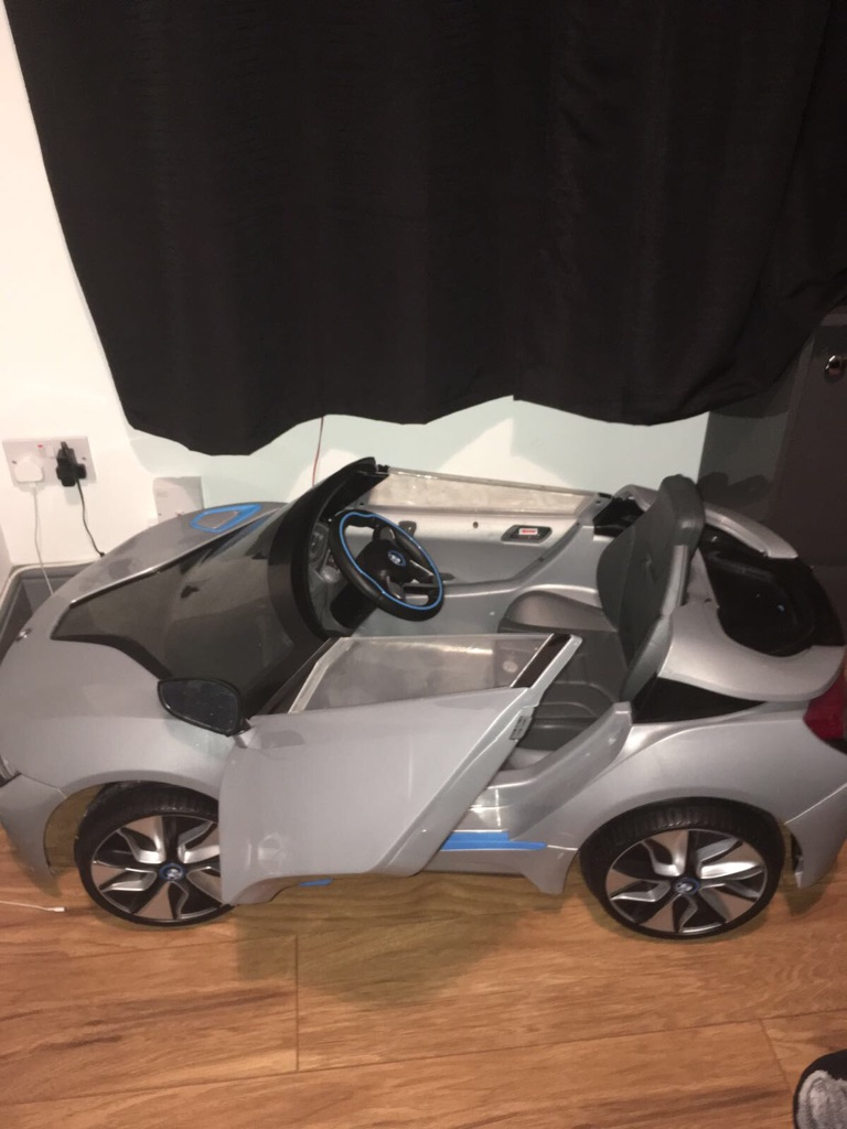 BMW i8 electric toy car