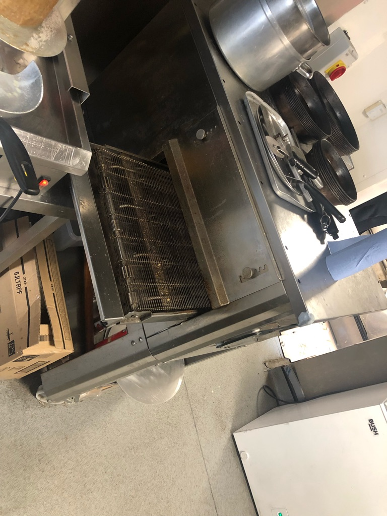 QUICK SALE PERFECT CONDITION ELECTRIC PIZZA MACHINE