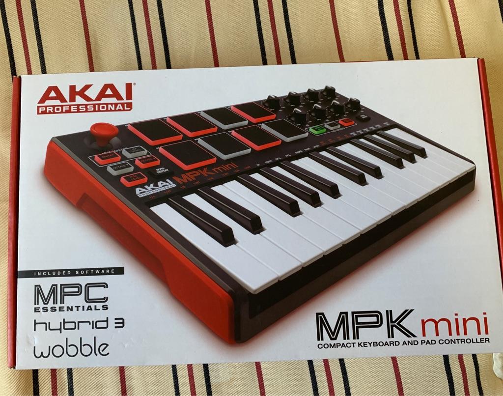 Akai Professional MPK Mini MkII (like new)