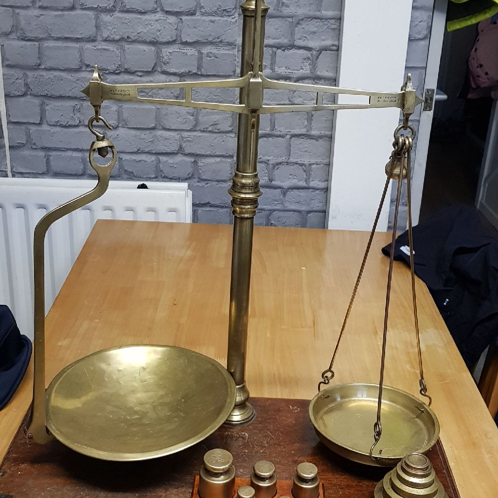 Vintage scales (brass)