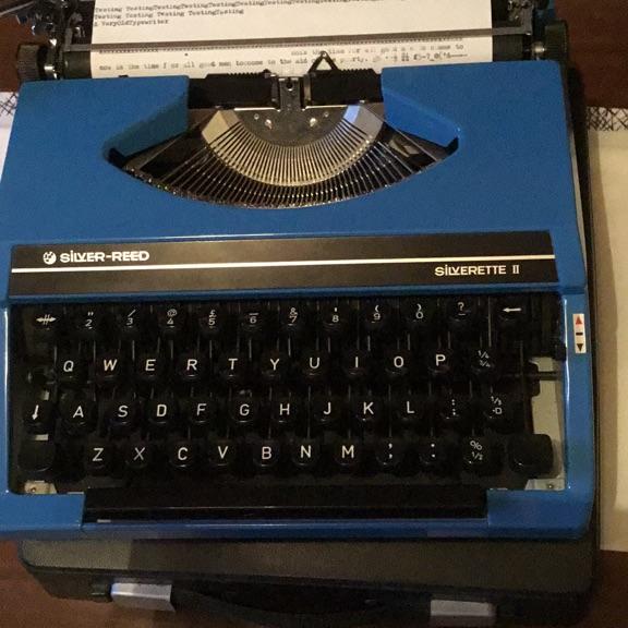 Silver reed silverette II typewriter