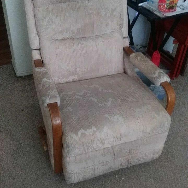 Lazyboy Rocker Recliner Chair.